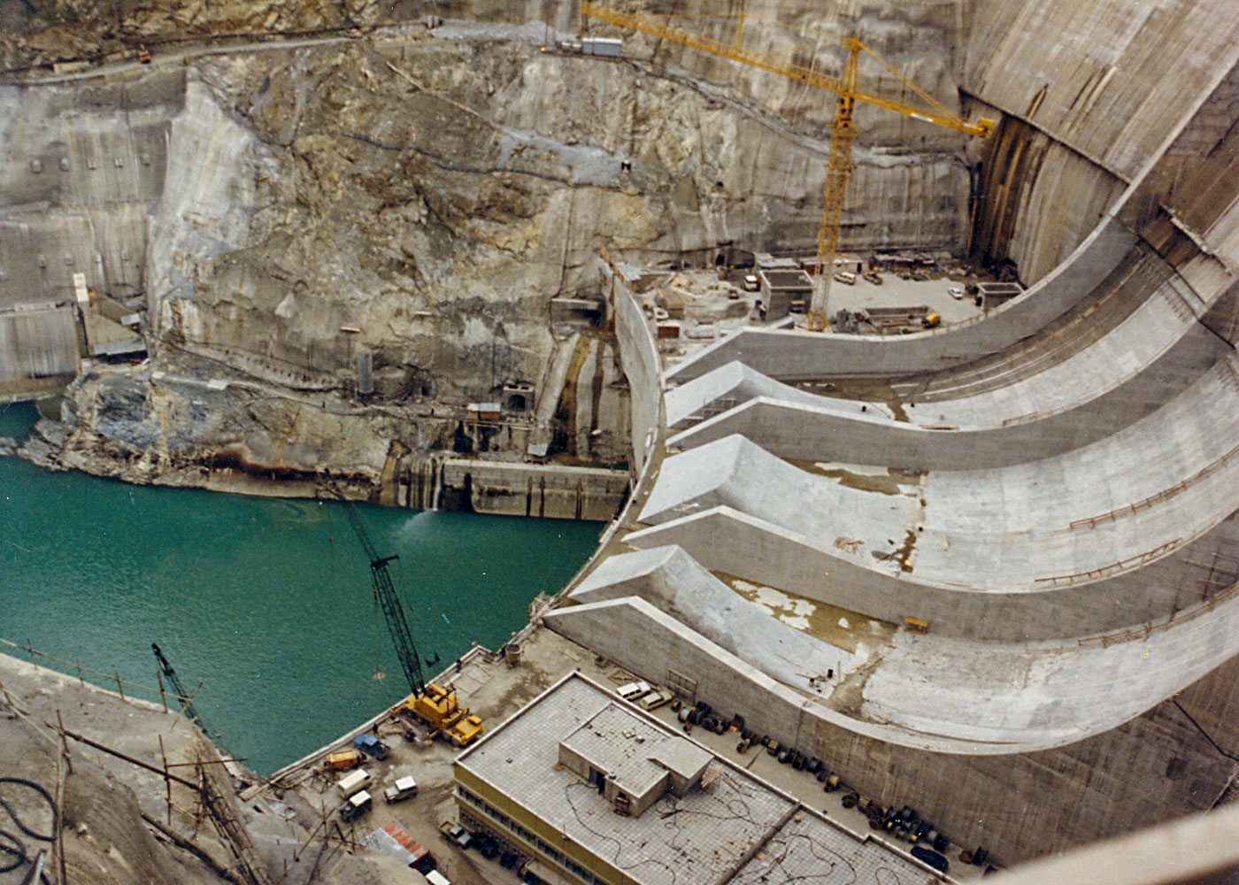 Karakaya Dam & HEPP (8x300 MW), Diyarbakır / Turkey
